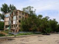Астрахань, улица Савушкина, дом 39 к.2. неиспользуемое здание
