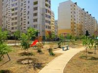 Астрахань, улица Бориса Алексеева, дом 36 к.1. многоквартирный дом