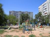 Астрахань, улица Курская, дом 57 к.1. многоквартирный дом