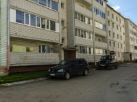 Kolchugino, Lomako st, house 22. Apartment house