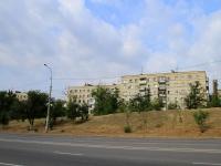 Волгоград, Университетский проспект, дом 38. многоквартирный дом