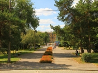 Волгоград, улица Калинина. площадь Чекистов