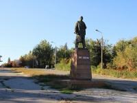 Волгоград, улица Германа Титова. памятник В.И. Ленину