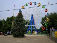 """Волгоград, улица Коммунистическая, дом 3А. парк """"Городской детский"""""""