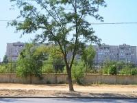 Волгоград, 30 лет Победы бульвар, дом 31. многоквартирный дом