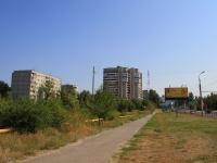 Волгоград, 30 лет Победы бульвар, дом 38. многоквартирный дом