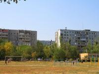 Волгоград, улица 8 Воздушной Армии. спортивная площадка