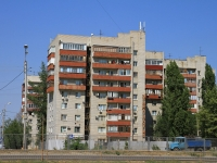 Волгоград, улица Землячки, дом 27. многоквартирный дом