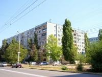 Волгоград, улица Константина Симонова, дом 18. многоквартирный дом