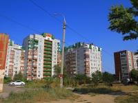 Волгоград, улица Космонавтов, дом 19 к.1. многоквартирный дом