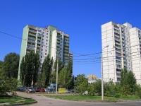 соседний дом: ул. Космонавтов, дом 49. многоквартирный дом