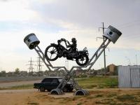 Волгоград, улица Космонавтов. малая архитектурная форма Мотоцикл
