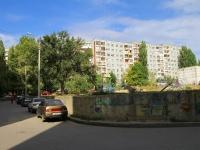 Волгоград, улица Рихарда Зорге, дом 42. многоквартирный дом