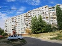 Волгоград, улица Рихарда Зорге, дом 52. многоквартирный дом