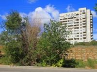 Volgograd, St Bukhantsev, house 18. Apartment house