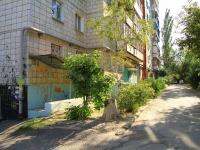 Volgograd, St Bukhantsev, house 38. Apartment house