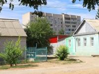 Волгоград, улица Колпинская, дом 11. многоквартирный дом