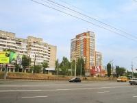 Волгоград, Маршала Жукова проспект, дом 106. многоквартирный дом