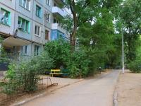 Волгоград, улица Гнесиных, дом 60. многоквартирный дом