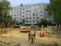 Волгоград, улица Танкистов, дом 18. многоквартирный дом