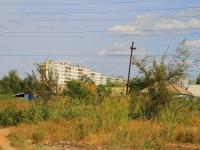 Волгоград, улица Караванная, дом 43. многоквартирный дом