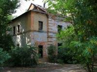 Волгоград, улица Панферова, дом 50. неиспользуемое здание