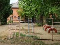 Волгоград, улица Панферова, дом 52. многоквартирный дом