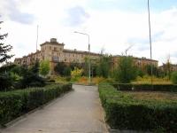 Volgograd, avenue Kanatchikov, house 1. Apartment house