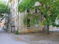Волгоград, улица Вучетича, дом 10. многоквартирный дом