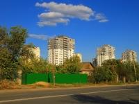 Волгоград, улица Новоузенская, дом 2А. многоквартирный дом