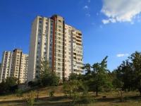 Волгоград, улица Новоузенская, дом 10. многоквартирный дом