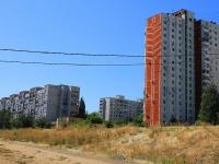 соседний дом: ул. Ярославская, дом 6. многоквартирный дом