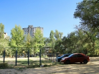 Волгоград, улица Гороховцев, дом 12. многоквартирный дом