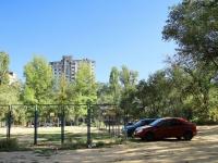 Volgograd, st Gorokhovtsev, house 12. Apartment house