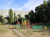 Волгоград, улица Изобильная, дом 22. многоквартирный дом