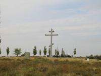 Волгоград, улица Маршала Воронова. памятный знак Поклонный крест