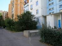Волжский, улица Карбышева, дом 83. многоквартирный дом