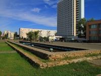 Волжский, улица Сталинградская. фонтан На Сталинградской, 6