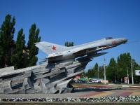 Воронеж, улица Космонавтов. памятник Самолёту МИГ-21