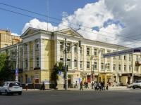 Калуга, улица Плеханова, дом 47. многофункциональное здание