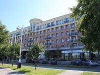 Кемерово, набережная Притомская, дом 7. многофункциональное здание