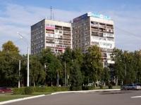 Новокузнецк, Кузнецкстроевский проспект, дом 10. многоквартирный дом