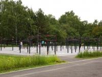 Новокузнецк, улица Кутузова. спортивная площадка WorkOut стадион