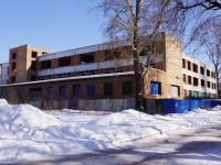 Новокузнецк, улица Сибиряков-Гвардейцев, дом 10. неиспользуемое здание