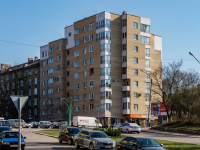 , Shkolny alley, house 1. Apartment house