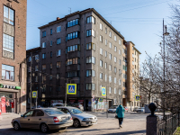 , Krepostnaya st, house 39. Apartment house