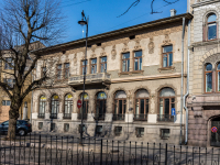 , Pionerskaya st, house 2. Apartment house
