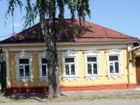 Kolomna, Lazarev st, house 6. Private house