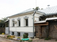 Kolomna, Pionerskaya st, house 26. Private house