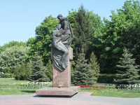 Khimki, monument медсестре9th Maya st, monument медсестре